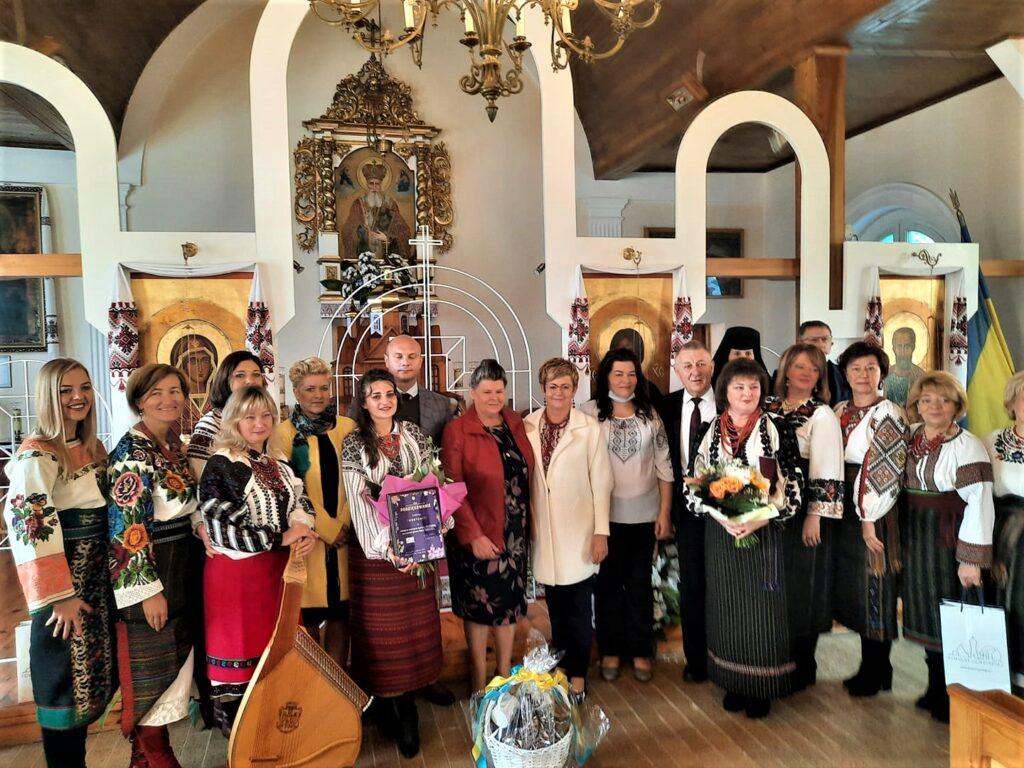 Zdjęcie grupowe po zakończonym koncercie chóru Horycwit