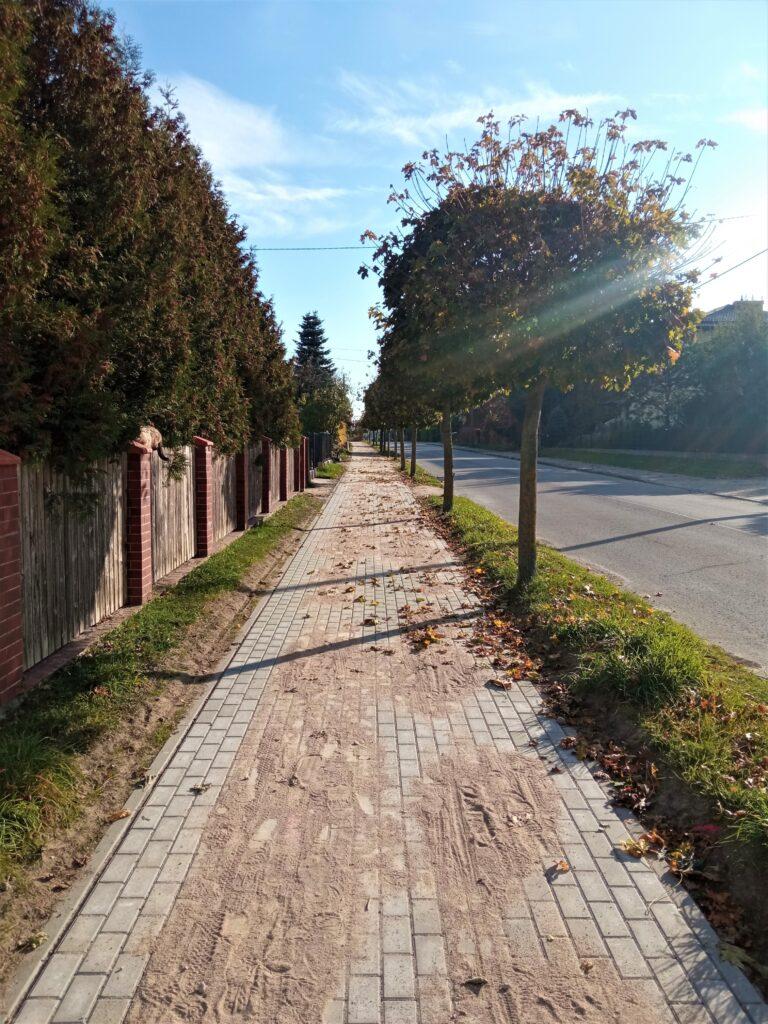 Chodnik przy ul. Żeromskiego po remoncie.